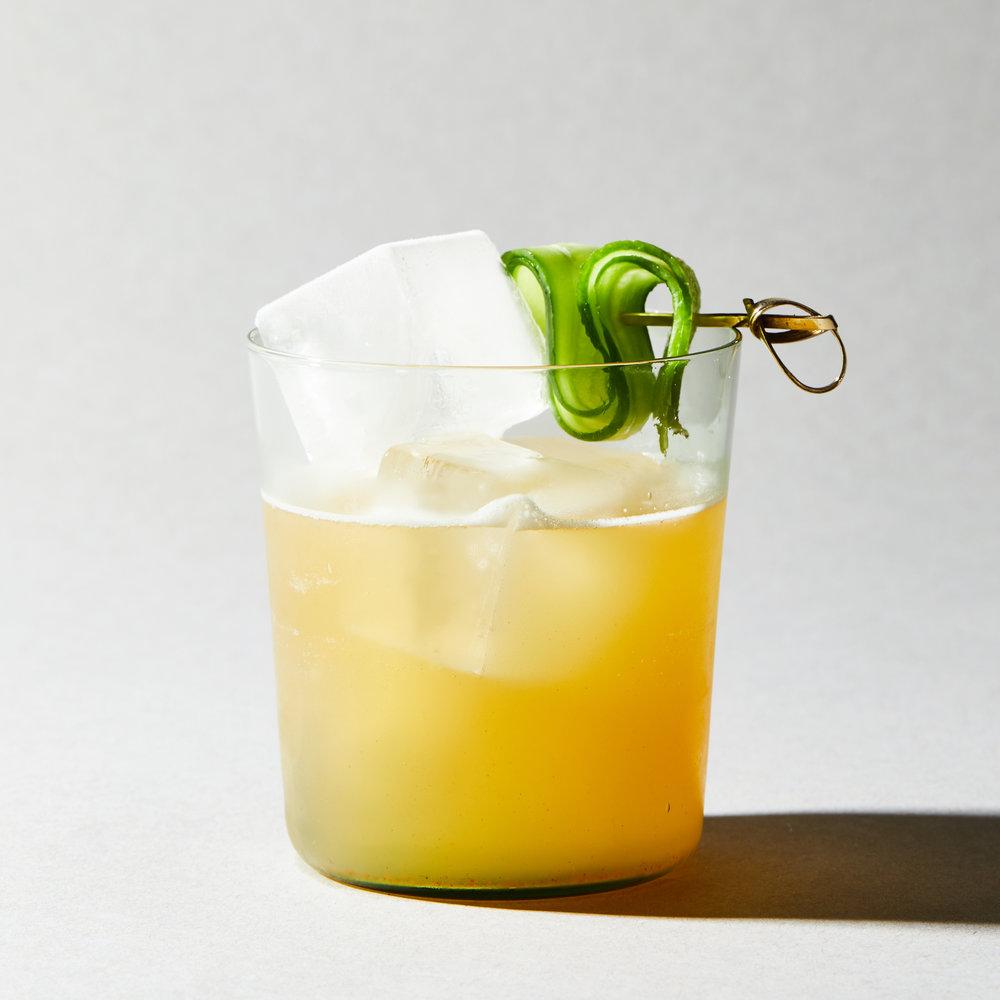 02_MK_Mixers_Cocktails_Cucumber_Margarita_006.jpg