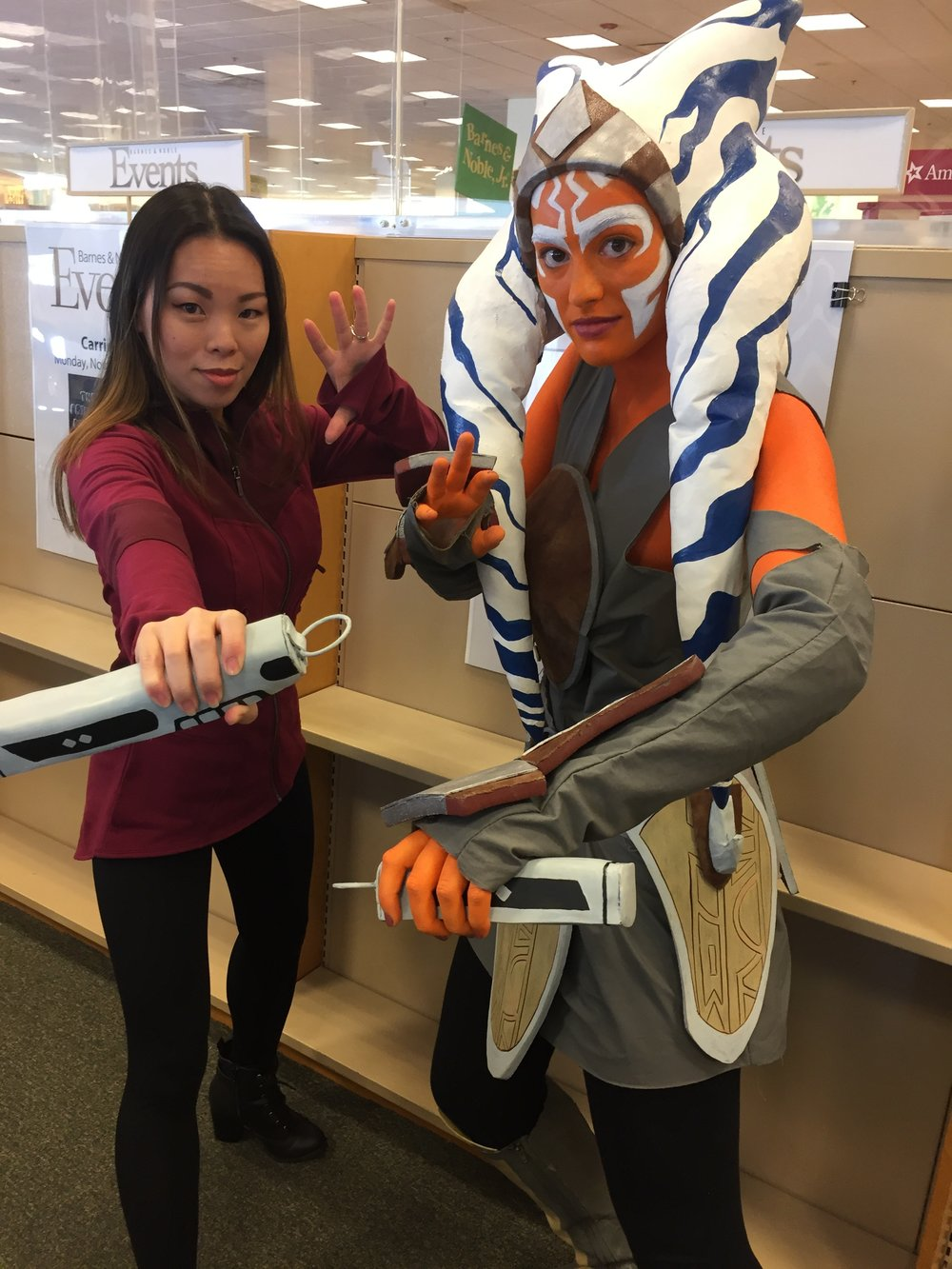 Fantastic Ahsoka cosplayer by Shea (@Shea_Cosplays)