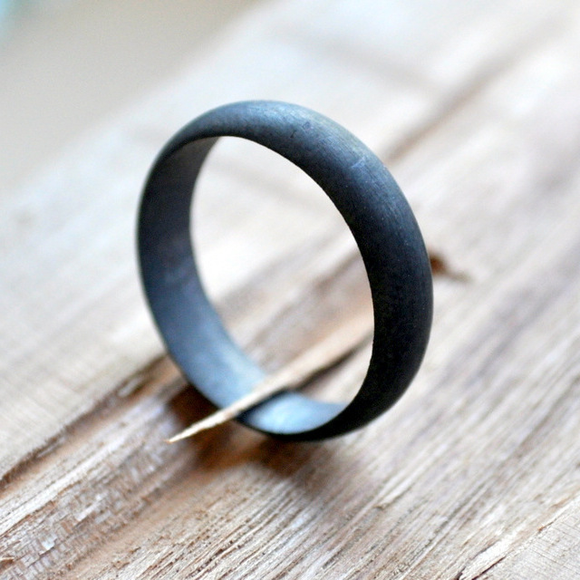 Handmadebizplanner.com-Epheriell-1-1-Men's Matte Oxidised Wedding Band.JPG