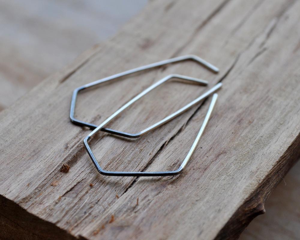 Handmadebizplanner.com-Epheriell-two-tone geo earrings