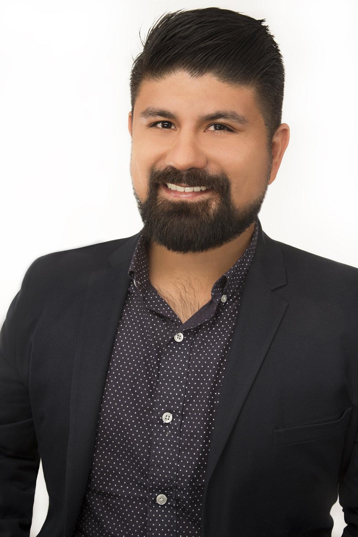 Agustin Cruz Headshot 300rgb.jpg