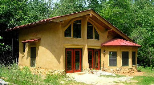 Earthaven-ecovillage-living-off-the-grid.jpg