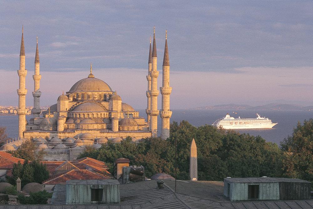 Crystal_Symphony_Istanbul.jpg
