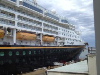 TravelAbundance Disney Magic Cruise Ship - Pictures of the disney magic cruise ship