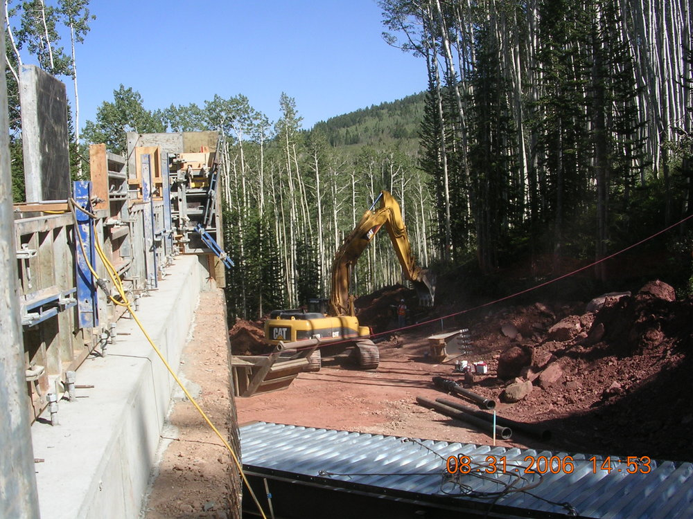 Pipeline installation in the Colony.
