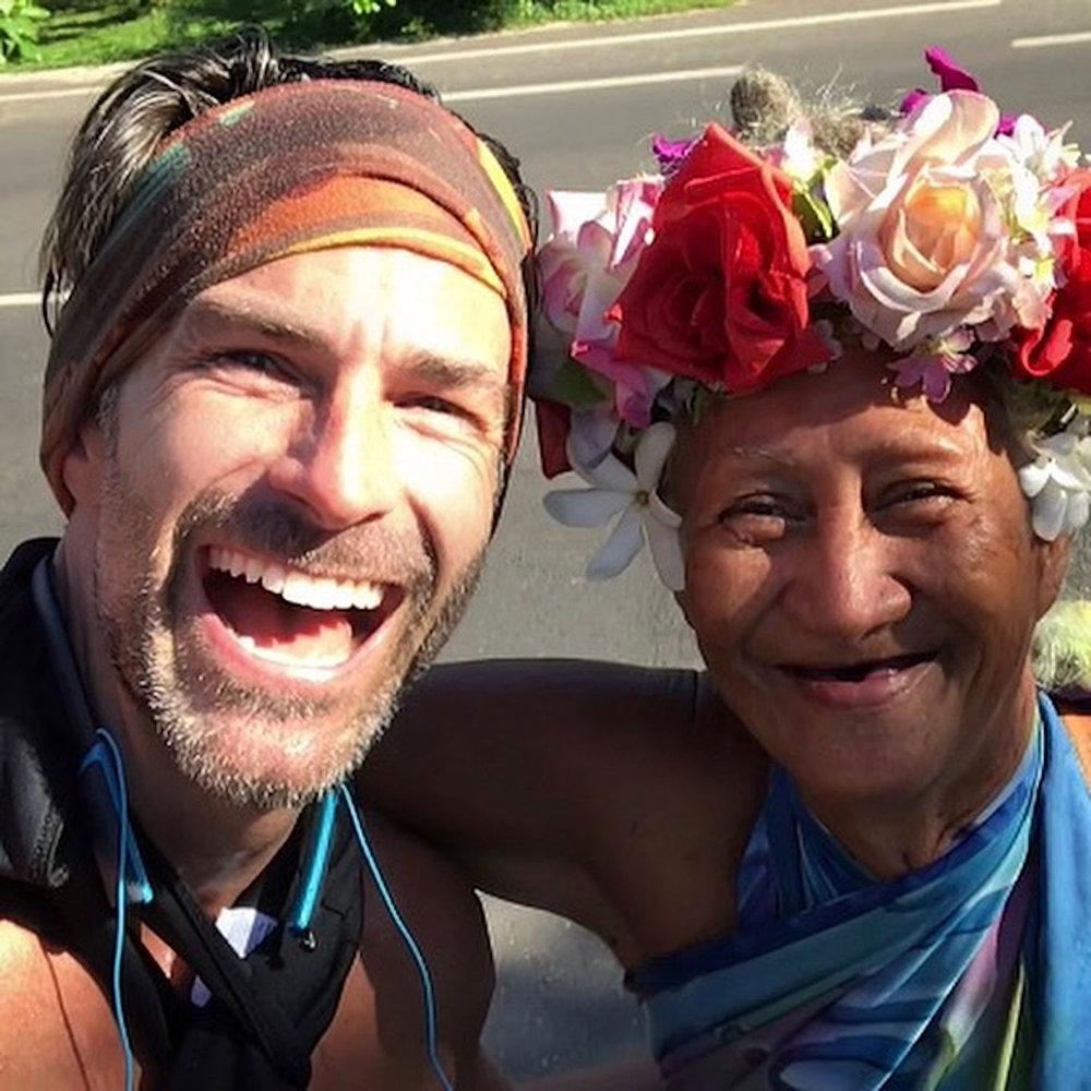 Tahitian Women in Hei