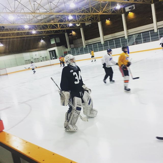 Didn't we just finish the season? No rest for the wicked. South Island Roayls spring training kicked off today with a core focused workout and on ice drills. #southislandroyalsMML #mml