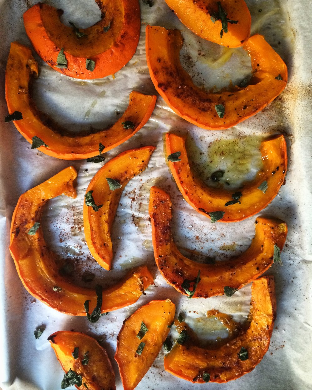cinnamon roasted red kuri squash || planting my roots