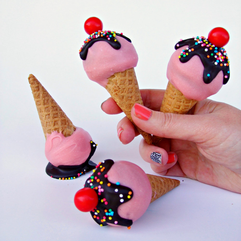 Rebecca Jane Sugar Art - Ice cream cake pops