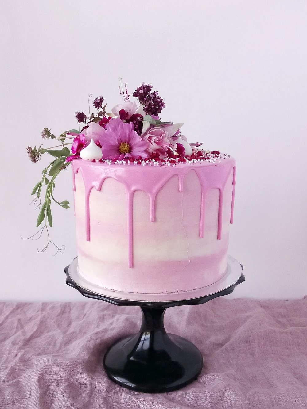 Rebecca Jane Sugar Art - Pink watercolour floral drip cake