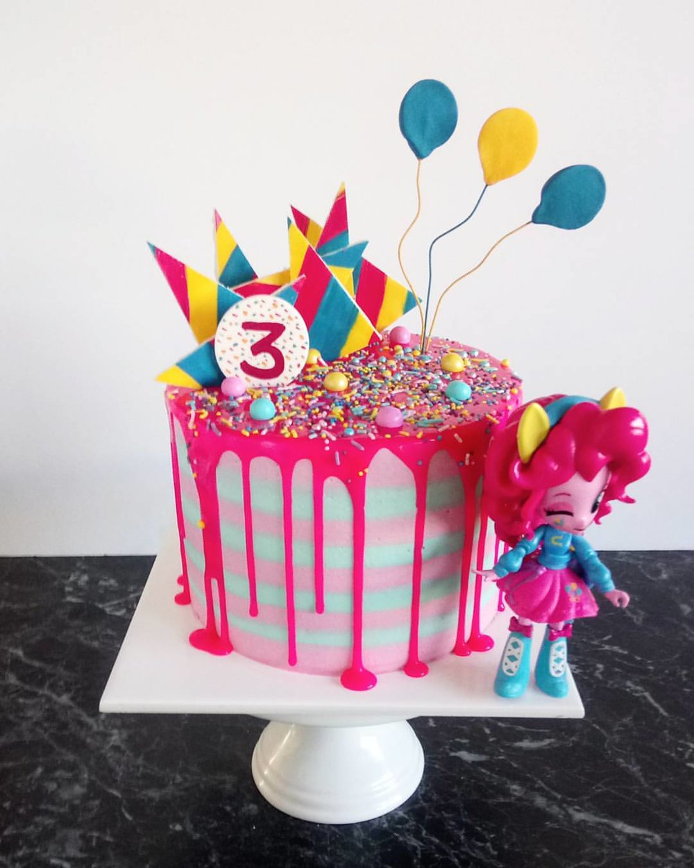 Rebecca Jane Sugar Art - My little pony pinkie pie drip cake