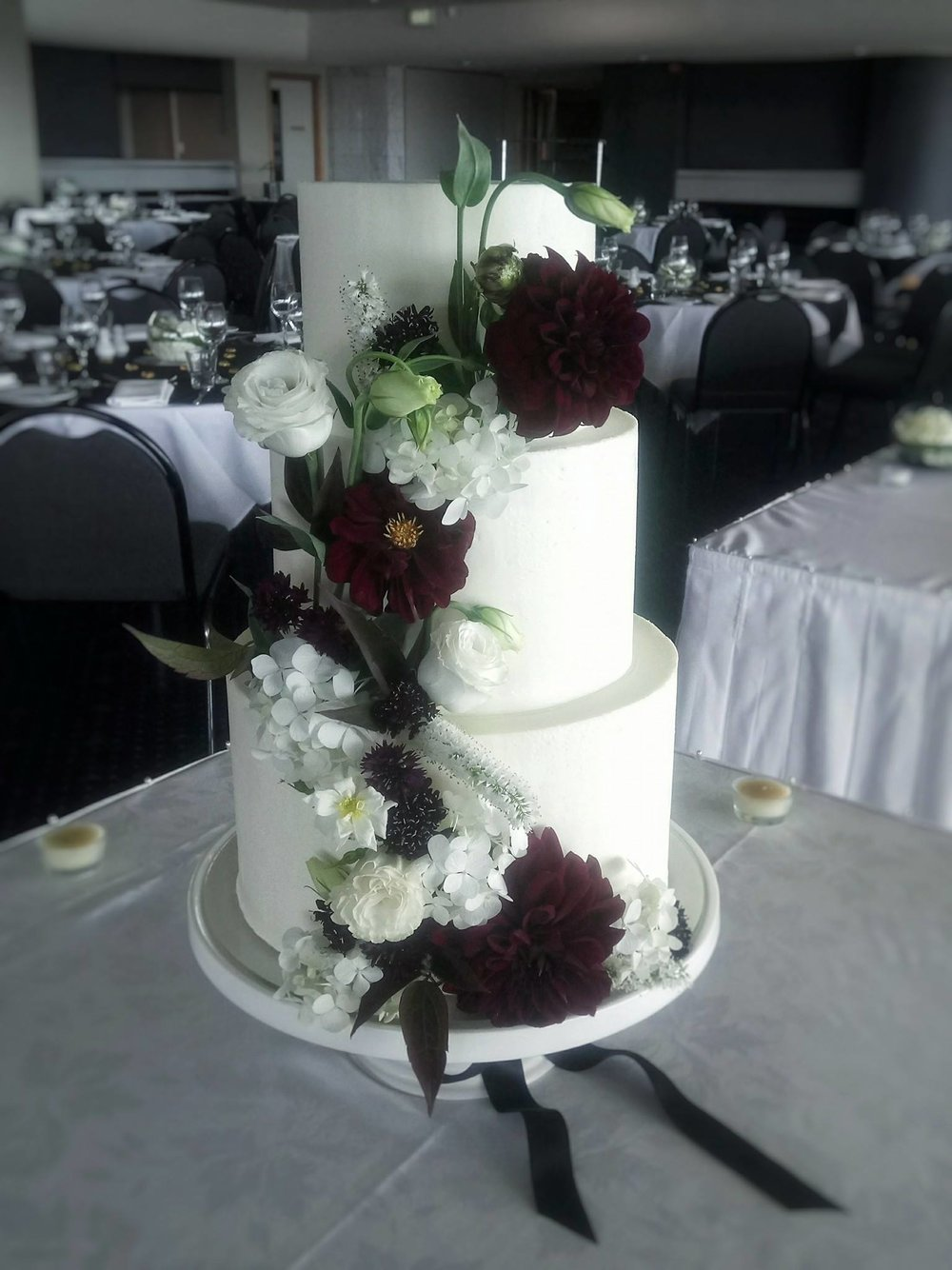Rebecca Jane Sugar Art - black and white fresh flower buttercream wedding cake