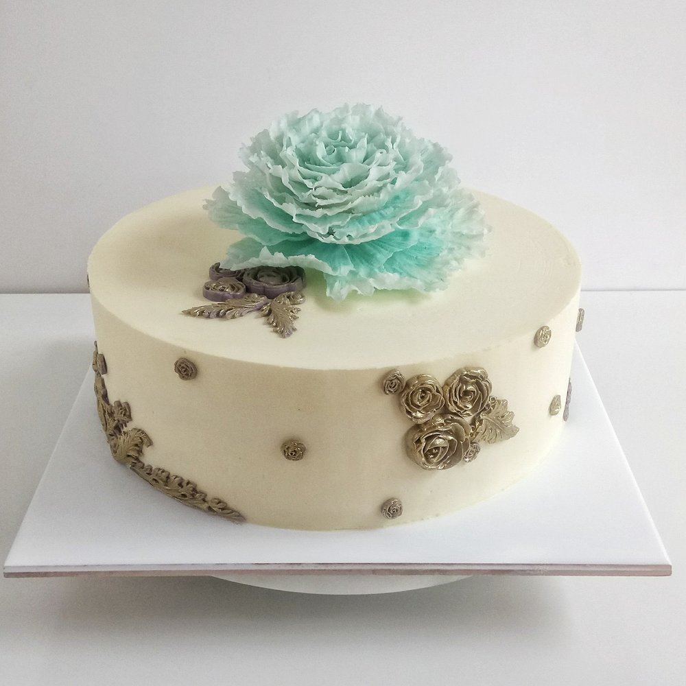 Rebecca Jane Sugar Art - vintage gold and ruffled sugar peony birthday cake