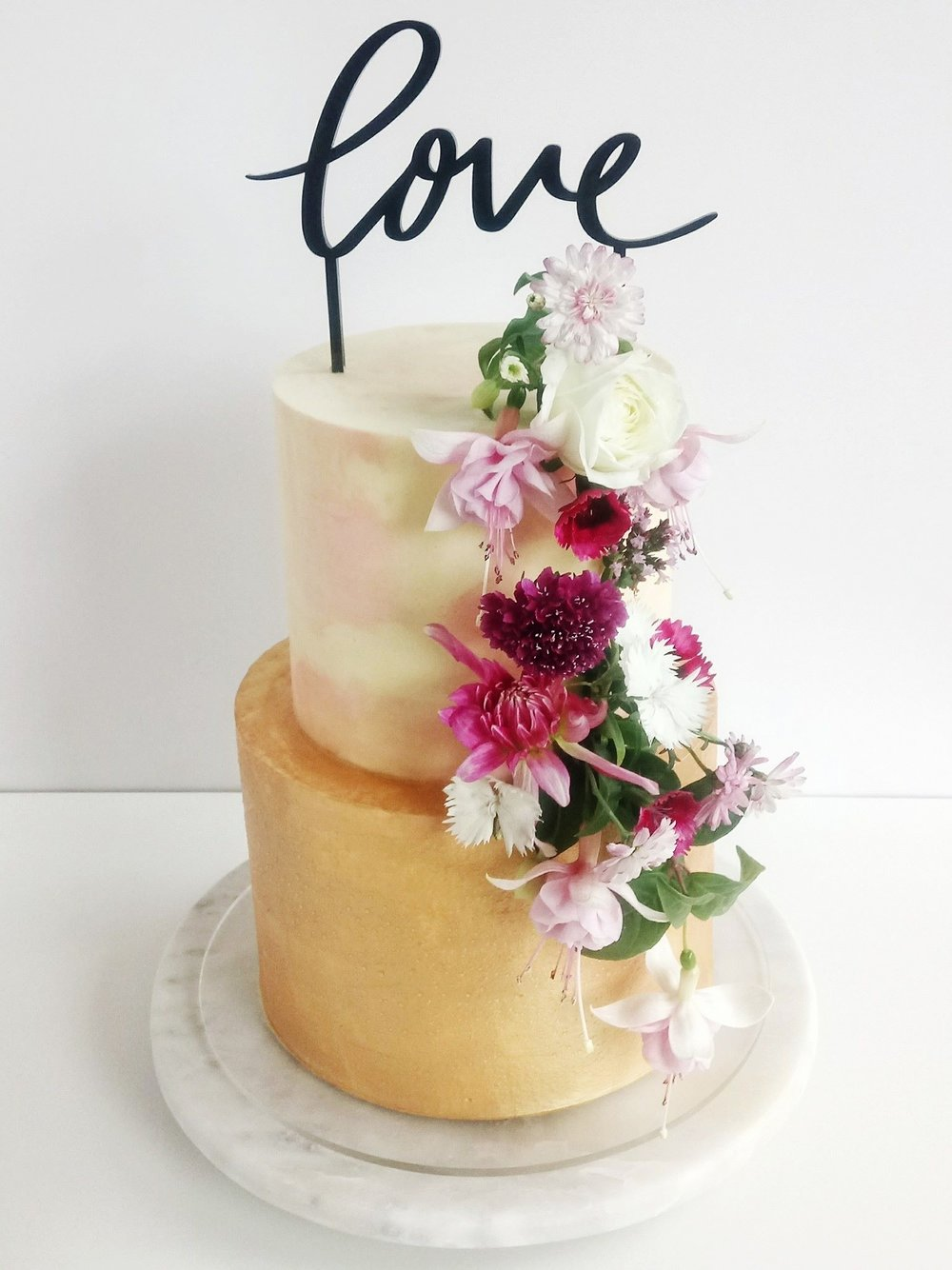 Rebecca Jane Sugar Art - engagement wedding cake gold blush fresh flowers
