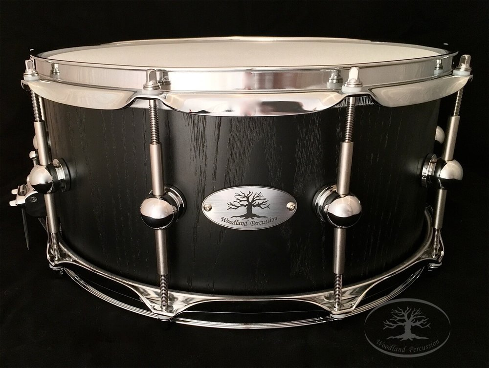 14x6.5x1/2 Red Oak  Midnight stain finish with Chrome hardware  Featuring Humble Lugs