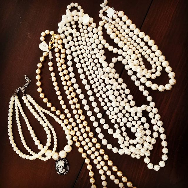 #BestPearlScore @eveminax I feel like I owe you a finders fee for leading me to this treasure palace.  It will be a tight fit trying to squeeze them in my suitcase which I feel gives me an excuse to wear them all at once 😘 #supportlocal #pride2018 #pearlsandroses #signature #regal #pearlsandnothingelse #pearlnecklace