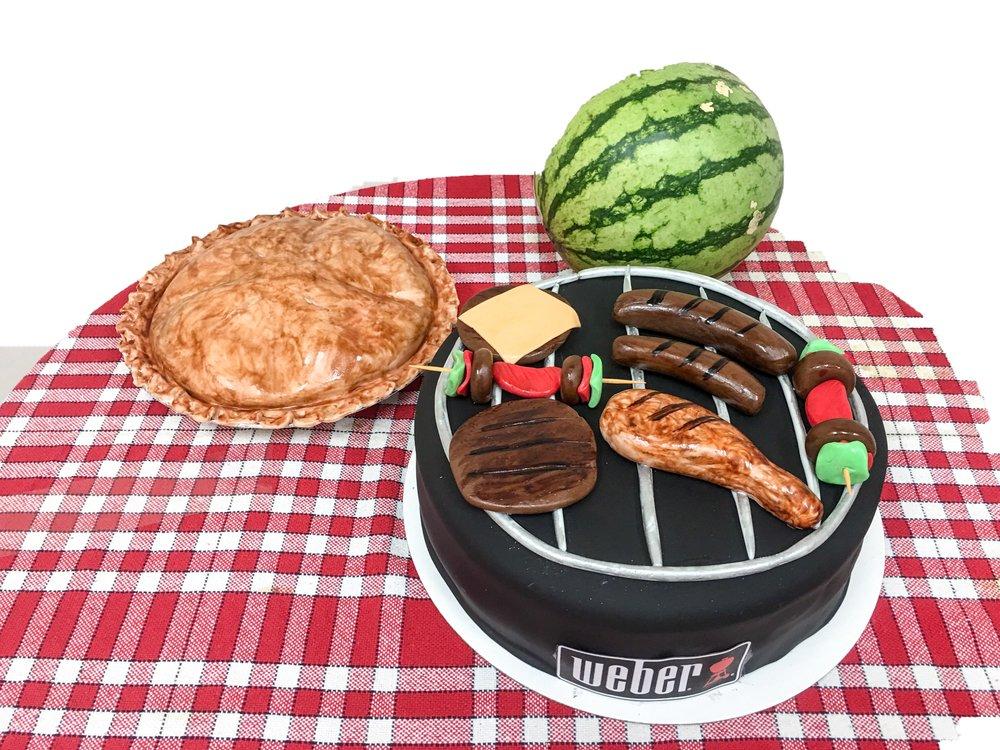 BBQ Grill & Pie Cake