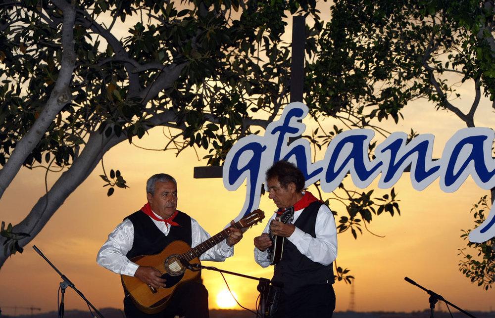 Ghanafest 2008 - Kalcidon Vella (ta' Mustacca) & Johnny Saliba (ta' Birzebbuga) 02 - photo by Darrin Zammit Lupi.jpg
