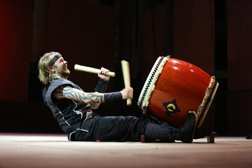 Mugenkyo Taiko Drummers photo by Stephen Buhagiar488.JPG