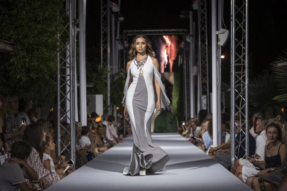 Atzaro Fashion Festival (135).jpg