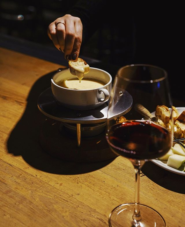 Ending the work week with raclette cheese fondue and a glass of red at #BarÀVin