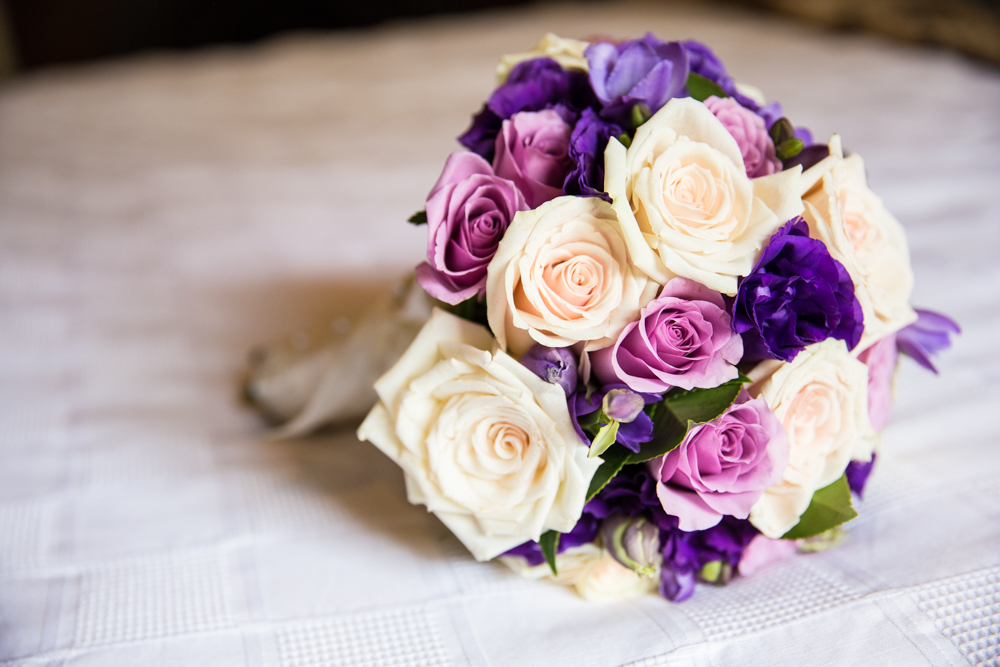 real roses wedding bouquet wedding photographer melbourne dandenong ranges victoria queenscliff geelong vue grand