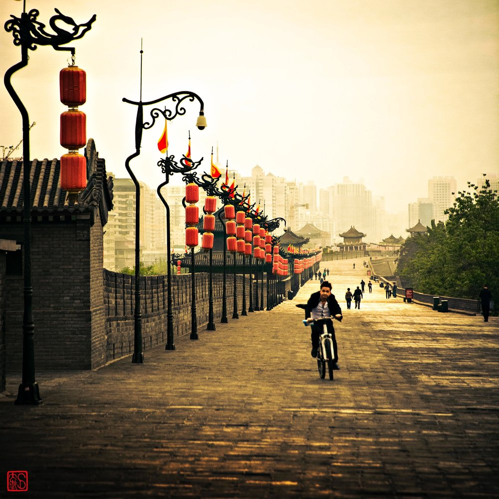 Cyclist on the wall.jpg