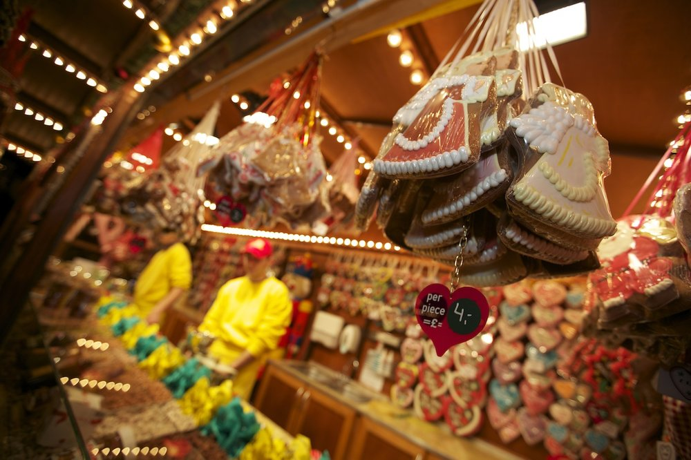 christkindlemarkt-leeds-german-christmas-market-sweet-stall-joel.jpeg
