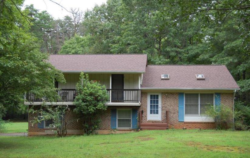 10611 Greenwood Drive 22553 1.JPG