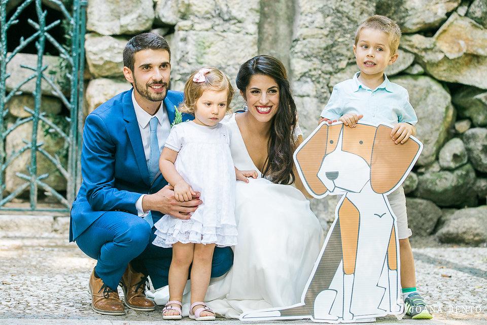 joana_rui_makemyday_memoriescraftedwithlove_destinationwedding-portugal-wedding-casamento-convite-design-decor-floral-styling-weddingfilm-filmedecasamento (1).jpg
