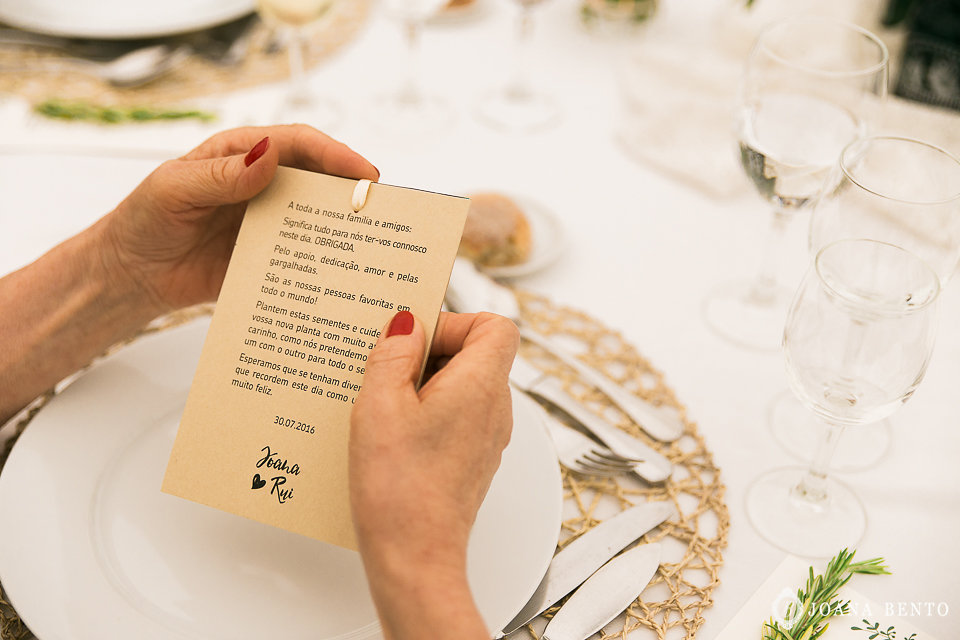 joana_rui_makemyday_memoriescraftedwithlove_destinationwedding-portugal-wedding-casamento-convite-design-decor-floral-styling-weddingfilm-filmedecasamento (5).jpg