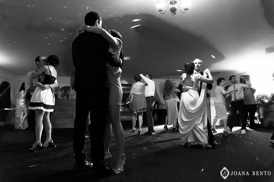 joana_rui_makemyday_memoriescraftedwithlove_destinationwedding-portugal-wedding-casamento-convite-design-decor-floral-styling-weddingfilm-filmedecasamento (9).jpg