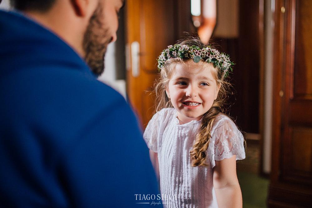 ines_filipe_makemyday_memoriescraftedwithlove_destinationwedding-portugal-wedding-casamento-convite-design-decor-floral-styling-weddingfilm-filmedecasamento (2).jpg