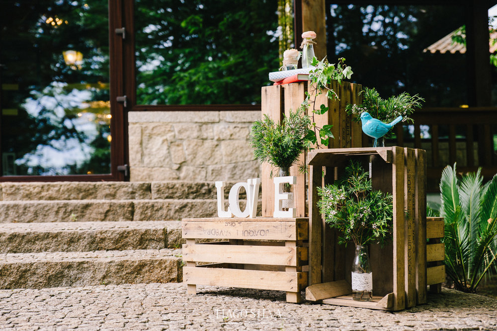 ines_filipe_makemyday_memoriescraftedwithlove_destinationwedding-portugal-wedding-casamento-convite-design-decor-floral-styling-weddingfilm-filmedecasamento (25).jpg