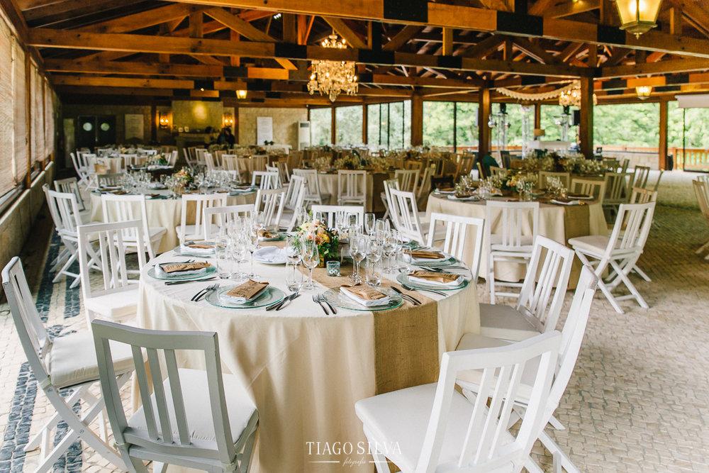 ines_filipe_makemyday_memoriescraftedwithlove_destinationwedding-portugal-wedding-casamento-convite-design-decor-floral-styling-weddingfilm-filmedecasamento (26).jpg