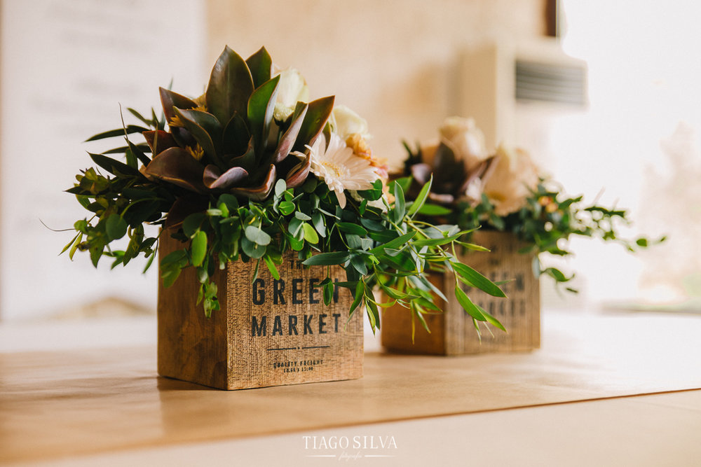 ines_filipe_makemyday_memoriescraftedwithlove_destinationwedding-portugal-wedding-casamento-convite-design-decor-floral-styling-weddingfilm-filmedecasamento (34).jpg