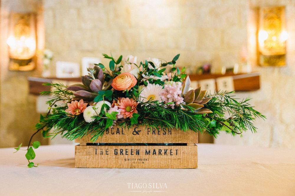 ines_filipe_makemyday_memoriescraftedwithlove_destinationwedding-portugal-wedding-casamento-convite-design-decor-floral-styling-weddingfilm-filmedecasamento (33).jpg