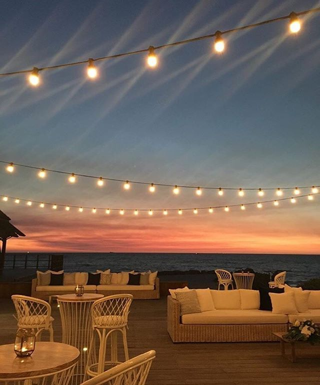 Fremantle wedding walk @kidogoarthousefremantle  @maiseycollections  @botanicanaturalis  @villa_kula  #eightyeightevents #electricalcreative #eventlightingperth