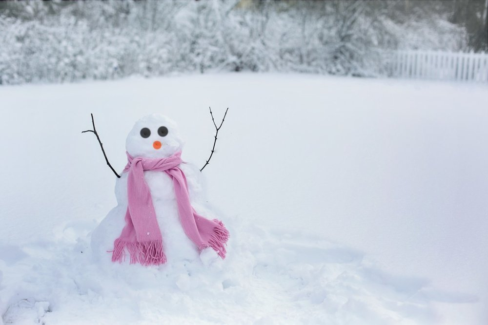 snow_woman_snowman_snow_winter_cold_fun_woman_outdoors-648821.jpg!d.jpg