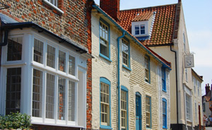 blakeney-high-street-cottages.jpg