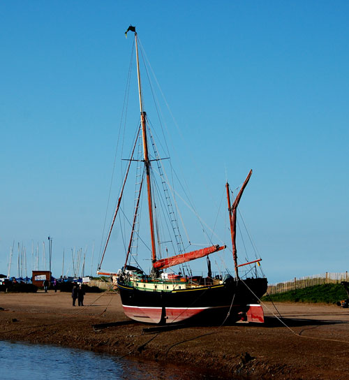 juno-blakeney-norfolk-saili.jpg