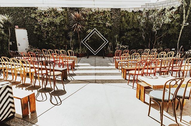 🔸 Shine bright like a diamond 🔸 ⠀ #weddingday #wedding #weddingvenue #losangeleswedding #losangeles #aislestyle #heasked #shesaidyes #theysaidido #bride #groom #brideandgroom #weddingideas #dreamwedding #weddinginspiration #instawedding #weddinginspo #weddingceremony #weddinggoals #weddinglove #weddingdetails #ceremonyvenue #lawedding #weddingphotos #weddingphotography ⠀ #hooraykarahitay #aislememories #weddingplanner #meleamore⠀