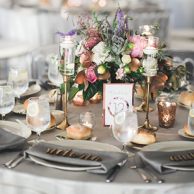Just a little pretty design for your Tuesday afternoon! 💕 ⠀ #luxurywedding #wedding #weddingday #weddingreception #weddingwire #weddingbells #weddingdesign #weddingseason #weddinginspiration #weddingideas #weddingflowers #weddingreceptiondecor #weddingtable #placecards #weddingplacecards #instawedding #weddingdetails #weddingstyle #weddingvenue #theysaidido #rosegolddecor #weddingphotos #weddingplanner #meleamore