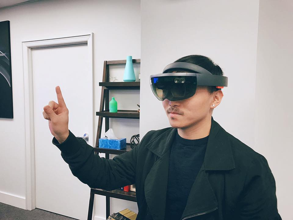 Me trying HoloLens in the Microsoft Store of 5th Avenue in NYC