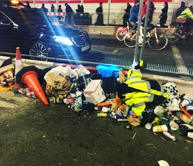Quick someone get #kondo on the scene at Tottenham Court Road ! #sparkjoyorafire #mariekondo #konmarimethod