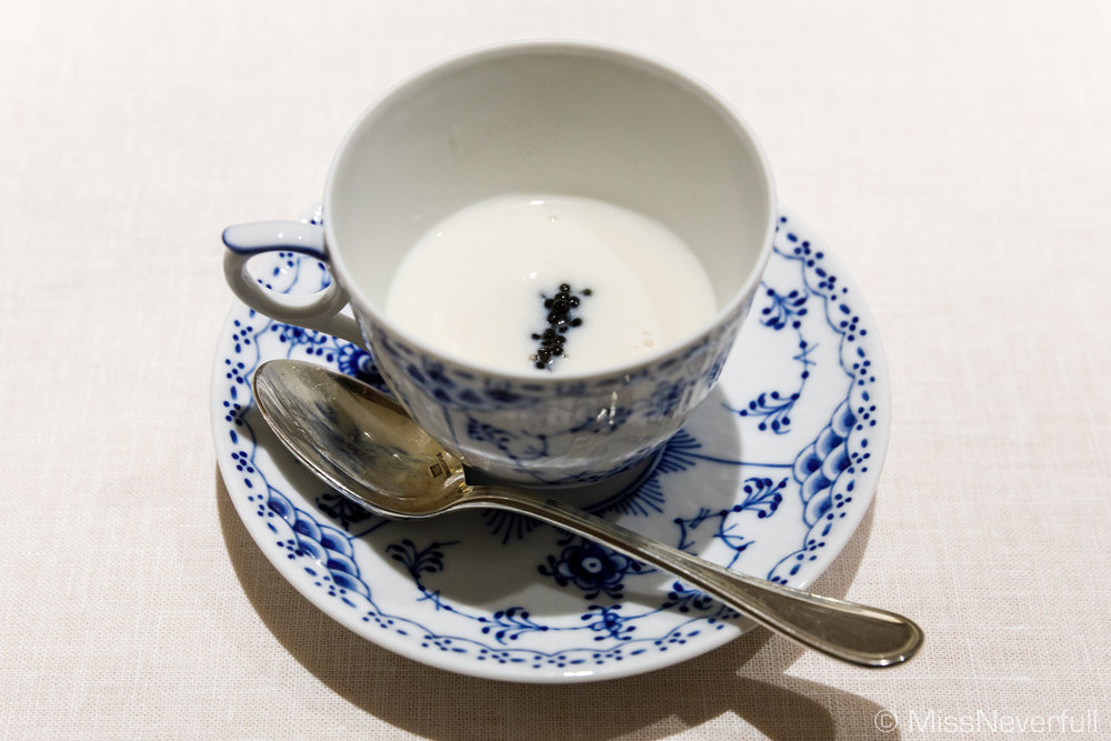 1. Tora-fugu shirako soup (三河灣の虎河豚の白子のスープ)