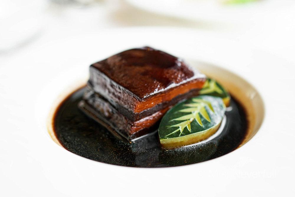 龍軒東坡肉 Braised pork belly with supreme black vinegar (HK$108)