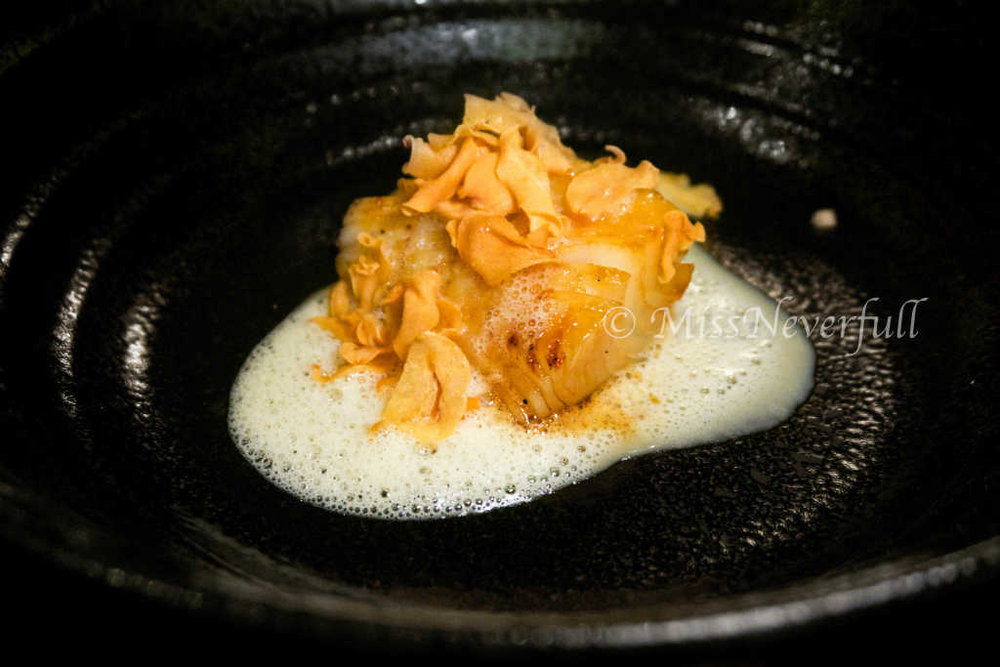 Miso black cod, kadashi mousse, garlic chips (alternative dish for pescetarians)