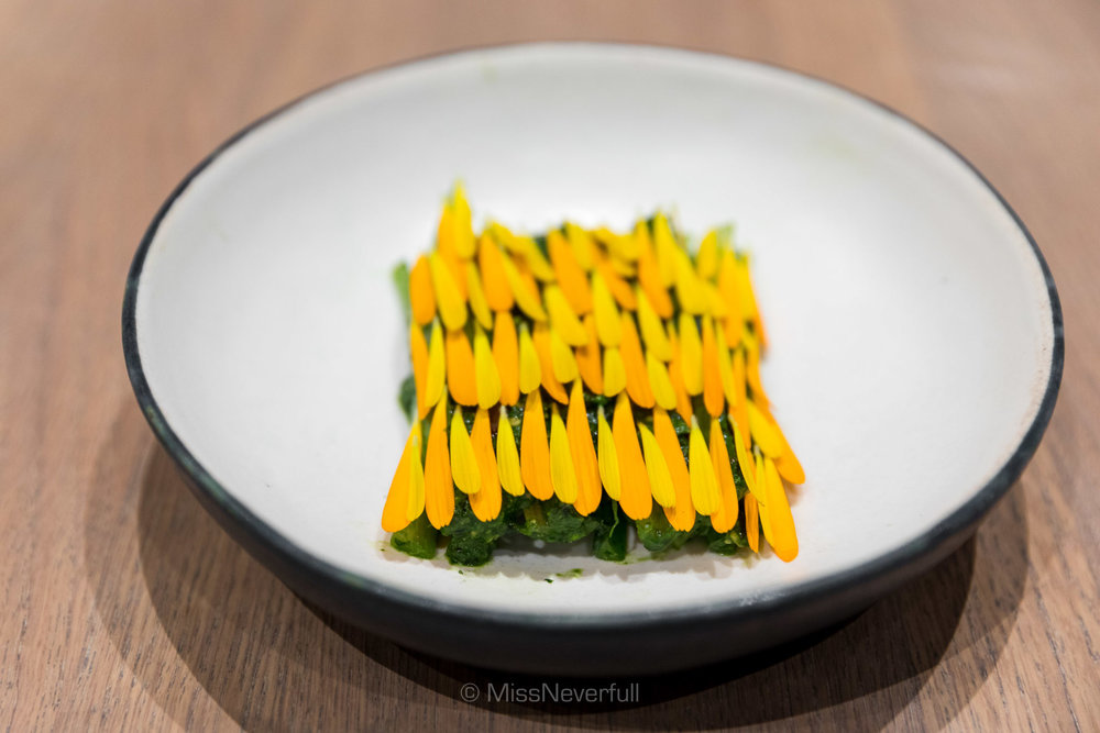 Sticks of Romaine Lettuce, aged turbot roe and marigold flowers (95 DKK)