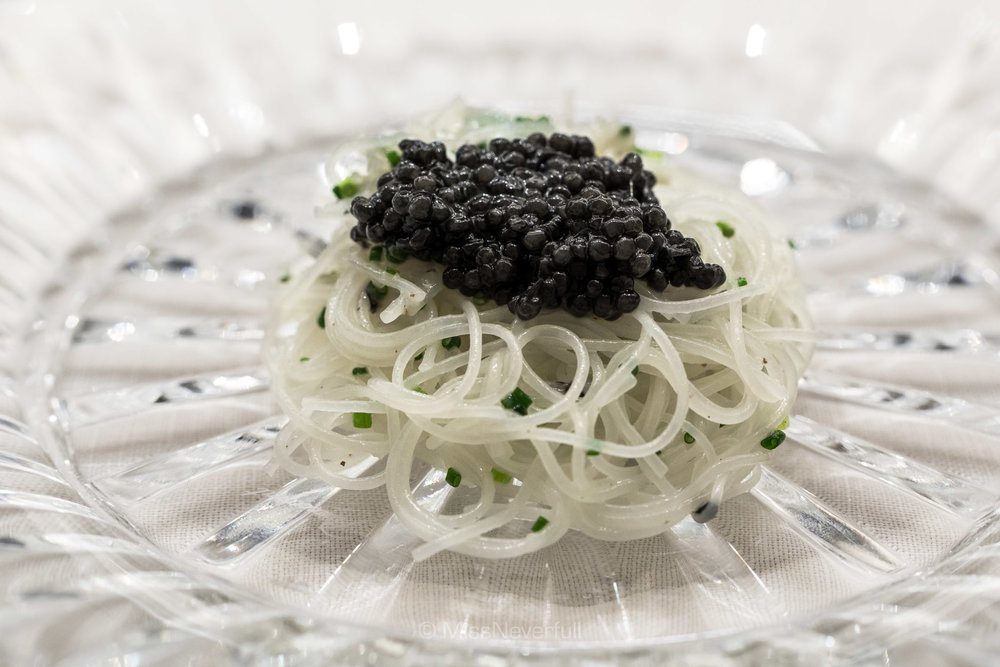 3. Cold vermicelli with Beluga caviar, white sesame oil (ベレーガキャビアの冷製ビーフン 太白胡麻和え)